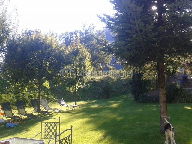Casa rural puyuelo en sarvise huesca for Casa rural con jardin