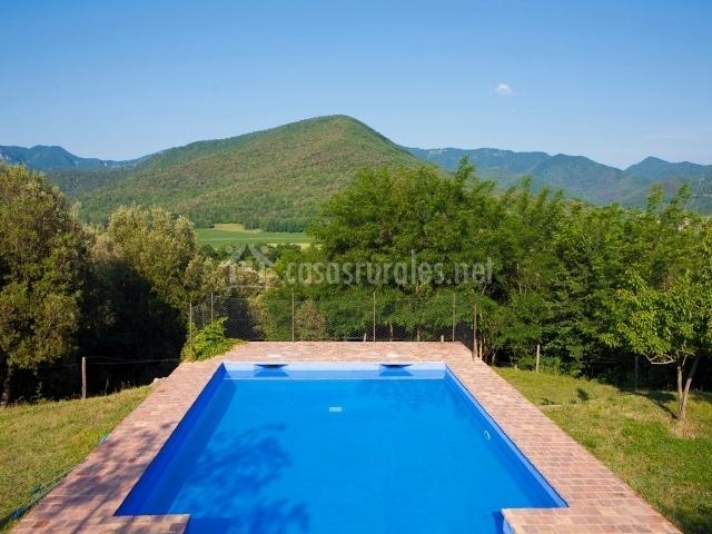 Mas garganta en pueblo la pinya girona for Casa rural girona piscina
