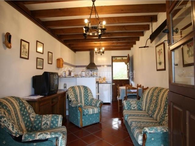 Casa navariegu i en ribadesella asturias for Decoracion casa rural