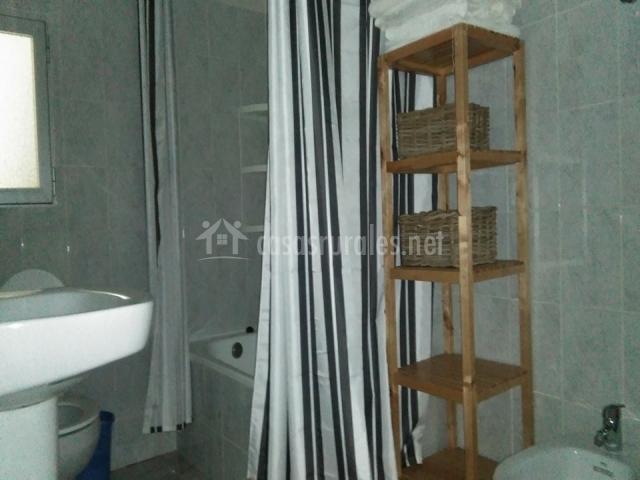 Cortijo ram n petra en nerpio albacete - Cuarto de bano con banera y ducha ...