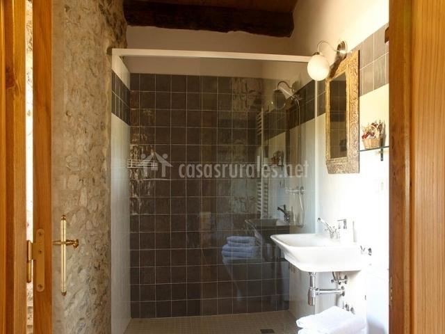 Cuartos De Baño Con Ducha Rusticos:cuarto de baño con ropa de ducha mampara en uno