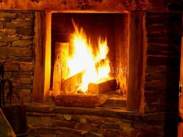 Valdicimbrio en cantalojas guadalajara for La terraza de la casa encendida