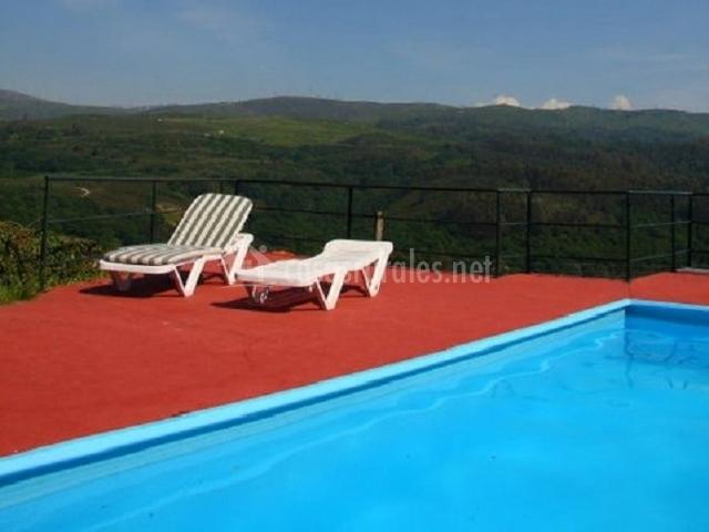 Rectoral de fofe en fofe covelo pontevedra for Alojamiento con piscina