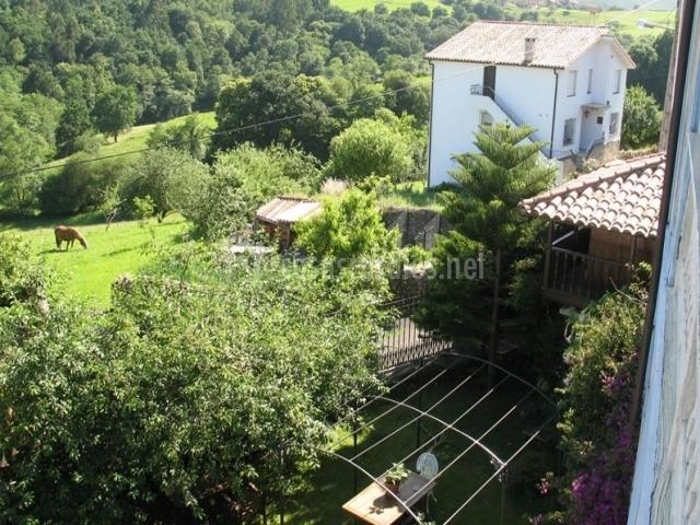 La casa del jard n en llanes asturias for Casa rural jardin del desierto tabernas