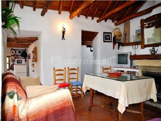 Alojamiento rural el concejo en conchar granada - Casa rural con chimenea en la habitacion ...