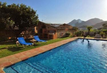 Casas rurales en alicante con jacuzzi for Casas rurales alicante con piscina