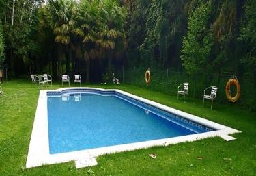 Casas rurales en parque natural del montseny con piscina for Piscinas del montseny