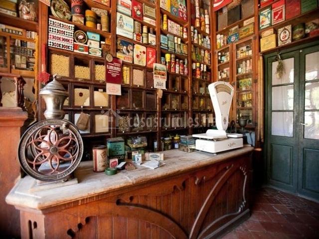 Casa leonardo en senterada lleida for Baneras antiguas baratas