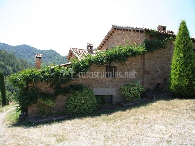 La mentideta en muntanyola barcelona - Casas rurales bcn ...