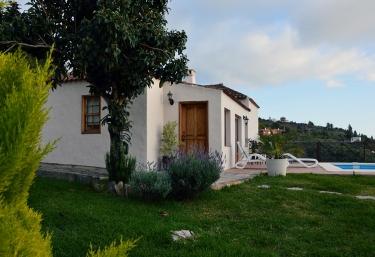 Casas rurales en tijarafe con piscina for Casas rurales con piscina en alquiler