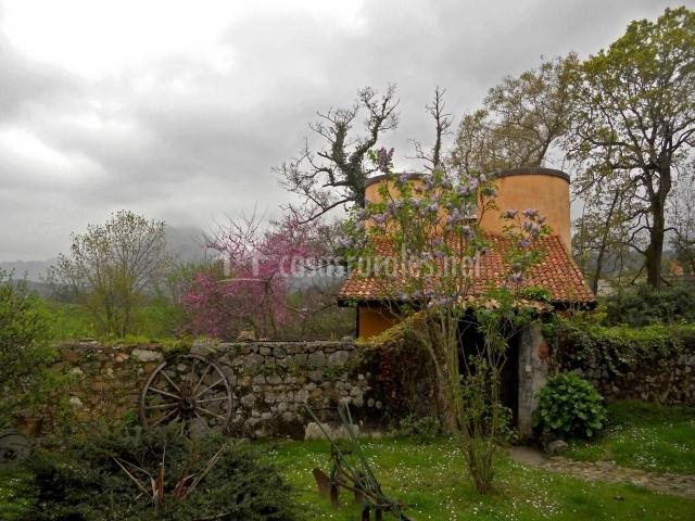 Los silos en ribadesella asturias for Casa rural jardin del desierto tabernas