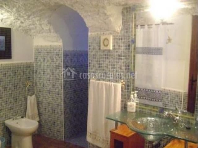 Decoracion Baño Rural:Casa Cueva Triana en Cuevas Del Campo (Granada)