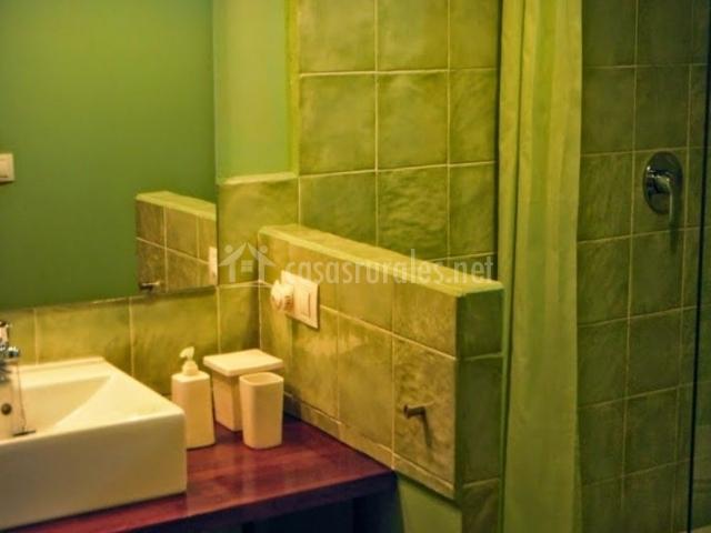 El pajar en badilla zamora for Cuartos de bano verdes