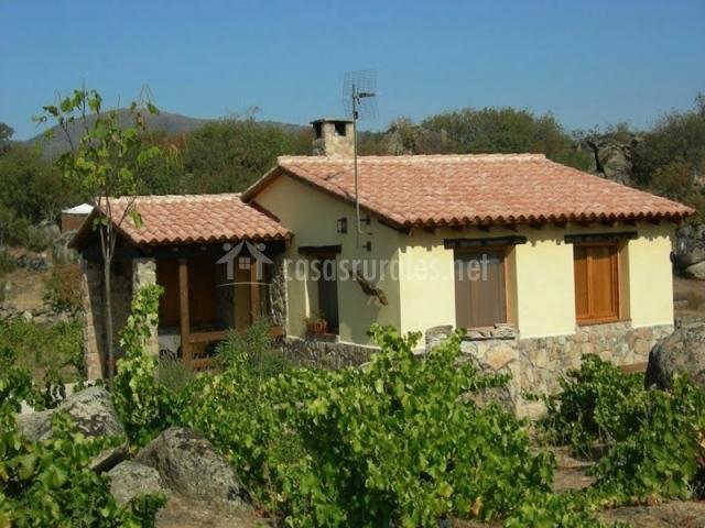 Casa amarilla en el tiemblo vila - Casas rurales el tiemblo ...