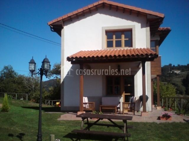 El boo ii en caraba o asturias for Casa jardin asturias
