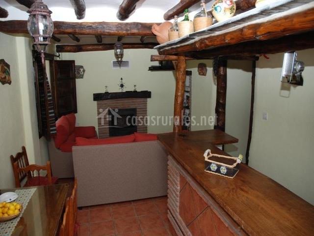 Casa la fuente en lanjaron granada - Barra bar salon ...