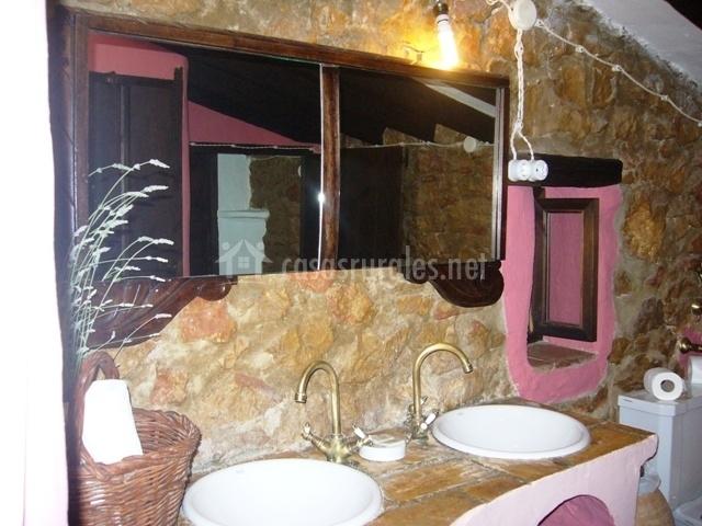 Lavabos Dobles Para Baño:baño con lavabo antiguo baño de piedra con doble lavabo