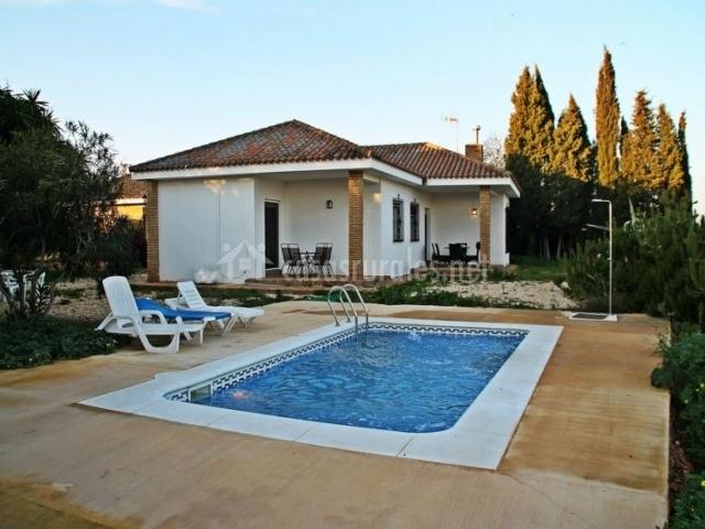 casas baratas con piscina ideas de disenos