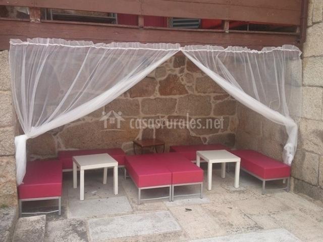 Casa grix en grixo padrenda orense for Cortinas exteriores para porches