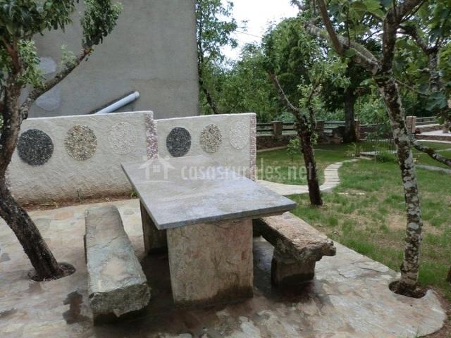 O forno do curro en a fenteira boboras orense - Mesas de piedra para exterior ...