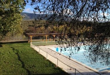 Casas rurales en montejo de la sierra con piscina for Casas rurales sierra de madrid con piscina