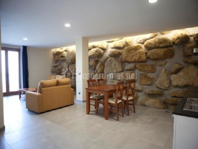 Itxaspe apartamentos en orio guip zcoa - Pared piedra salon ...