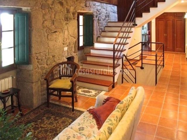 Casa sueiro en cuntis pontevedra for Alfombras baratas santiago