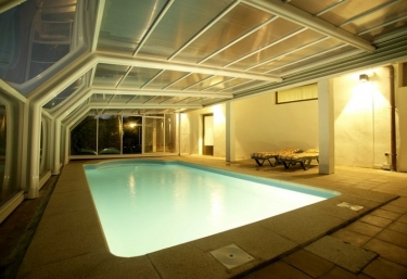 Casas rurales en navarra para grupos for Hoteles en navarra con piscina