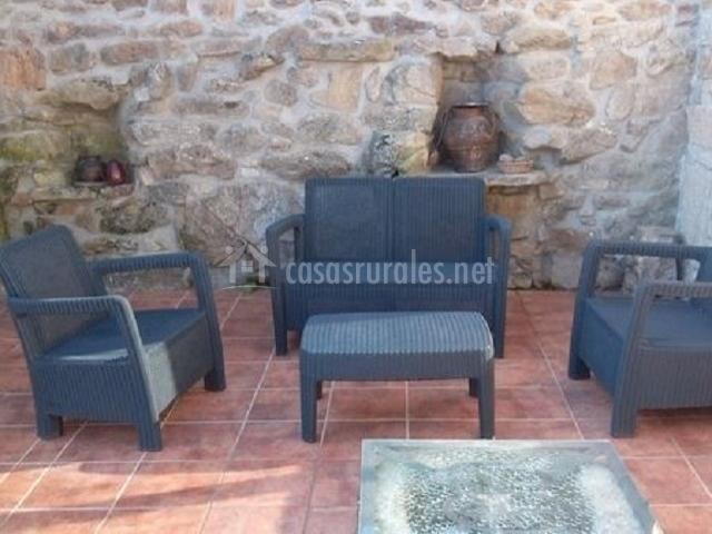 Nueva casa abuela herminia en tudera zamora for Sillones de patio