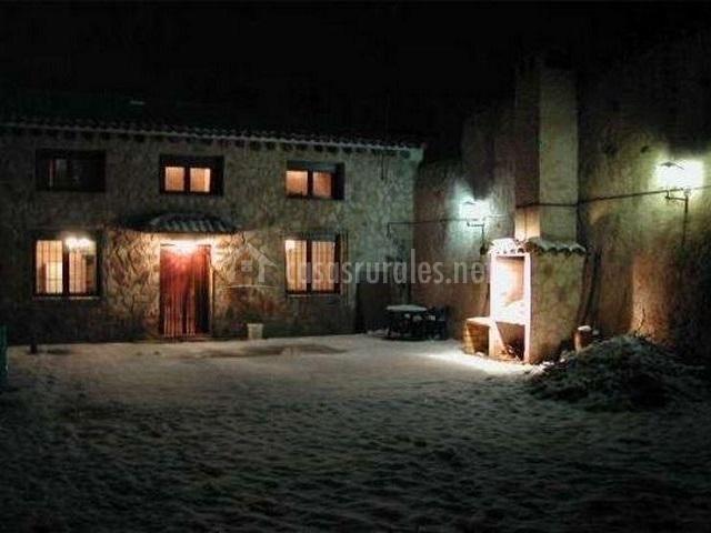 Casa rural abuelo perico en campillo de altobuey cuenca - Patios con barbacoa ...
