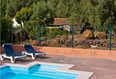 Casas rurales en gran canaria con piscina for Piscina valsequillo