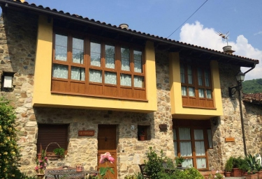 Casas rurales en rioseco de sobrescobio con chimenea for Casa rural con chimenea asturias