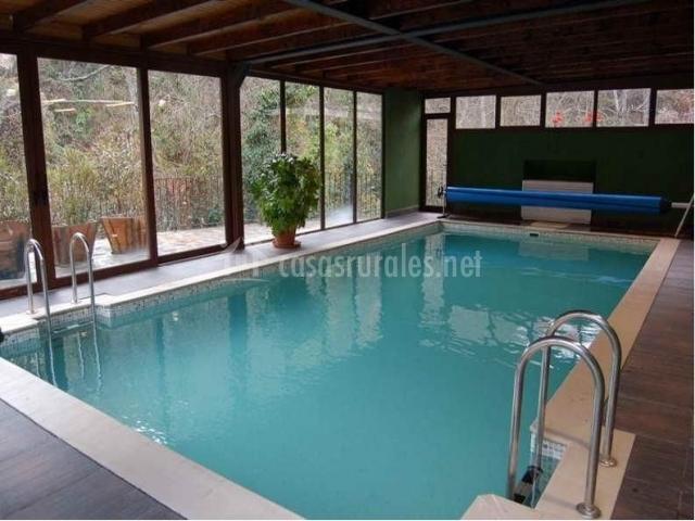 La b rcena apartamentos rurales y spa en enterria cantabria for Hoteles con piscina climatizada