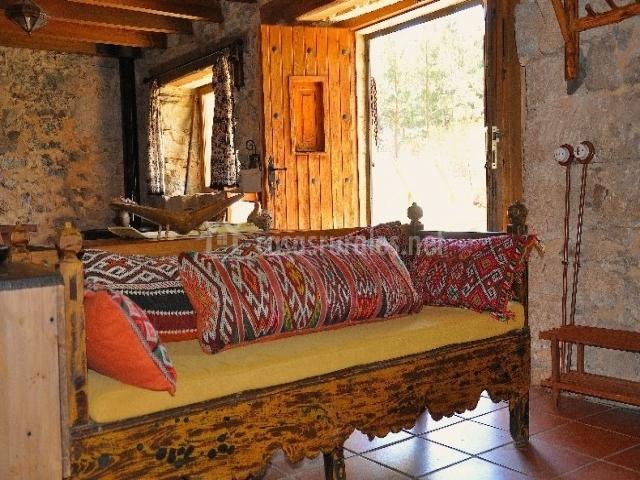 La piedra del molino en galve de sorbe guadalajara - Casas estilo arabe ...