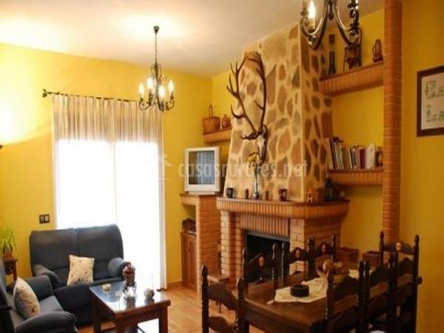 Nuevo Baño Ciudad Real:Sala de estar: la estancia más amplia de la casa En ella 2 grandes