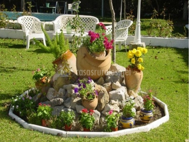 Las tinajas en ubrique c diz for Tinajas de barro para jardin