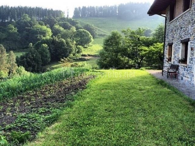 Casa rural etxegorri en orozko vizcaya for Casa rural jardin del desierto tabernas