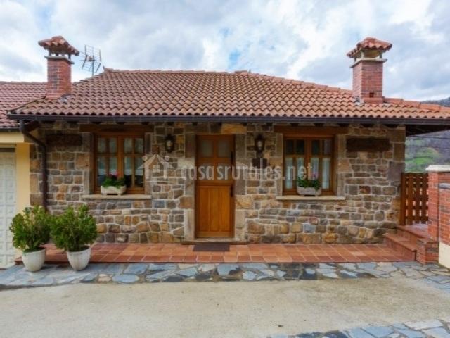 Apartamentos rurales la portiella en bueres caso asturias - Terenes casa rural ...