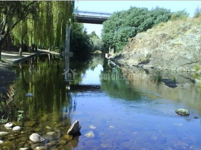El acebo en hervas c ceres for Escapada rural piscinas naturales