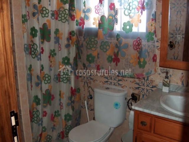 Cortinas De Baño Granada:Baño con cortinas de flores