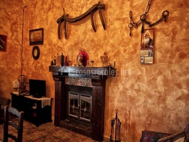 Casa rural la roca en illora granada - Utensilios para chimeneas ...