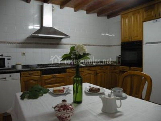 Casa rural paz en vedra a coru a for Muebles de cocina y bano disdeco santiago de compostela