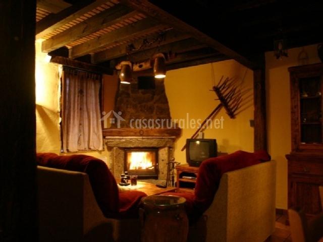 Casa rural la tenada en venta de las veguillas vila - Casa rural con chimenea en la habitacion ...