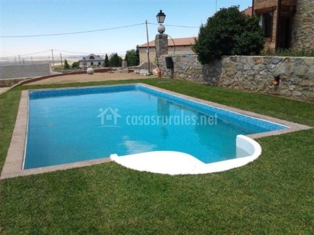 Rural castilla la vieja en otero de herreros segovia for Alojamiento con piscina