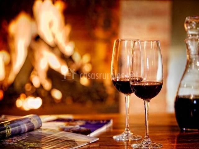 Baño Blanco Para Mantecados:salón con copas de vino salón comedor copa de vino