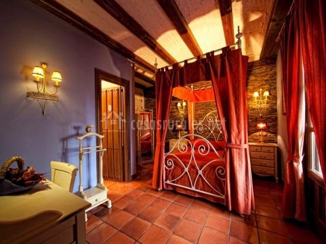 Baño Blanco Para Mantecados:dormitorio principal detalles de la cama cuarto de baño cuarto