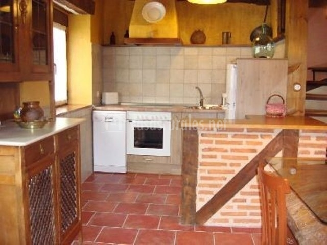 Real p sito ii en aguilafuente segovia - Barra americana cocina ...