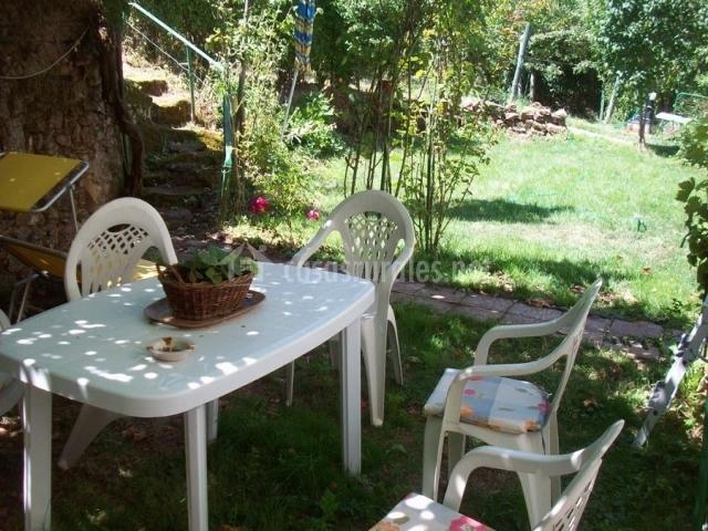 Casa de campo en san adrian de juarros burgos for Casa muebles jardin