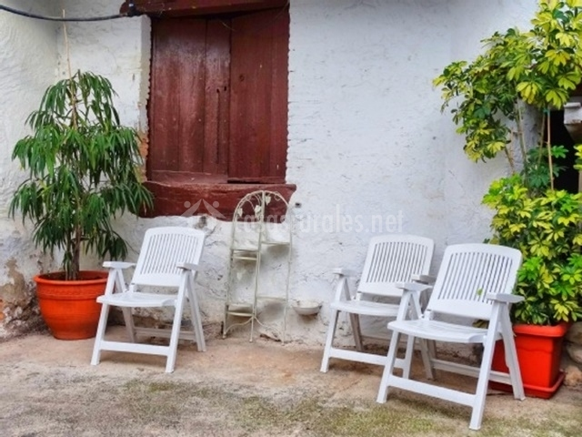 Casa rural masia figueras en cubelles barcelona for Muebles exterior barcelona