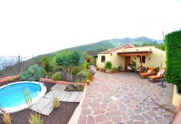 Casas rurales en tenerife para dos personas for Casa rural 15 personas con piscina